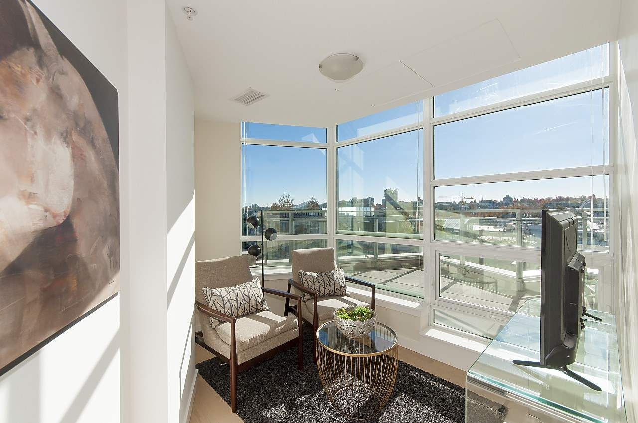 """Photo 13: Photos: 1101 88 W 1ST Avenue in Vancouver: False Creek Condo for sale in """"THE ONE"""" (Vancouver West)  : MLS®# R2234746"""