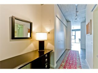 """Photo 1: 104 388 W 1ST Avenue in Vancouver: False Creek Condo for sale in """"THE EXCHANGE"""" (Vancouver West)  : MLS®# V975965"""