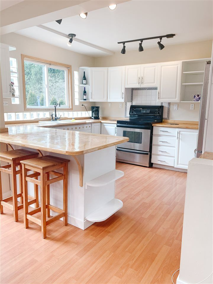 Photo 4: Photos: 1167 CHASTER Road in Gibsons: Gibsons & Area House for sale (Sunshine Coast)  : MLS®# R2449547