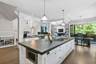 """Photo 10: 2608 CEDAR Drive in Surrey: Crescent Bch Ocean Pk. House for sale in """"Crescent Heights"""" (South Surrey White Rock)  : MLS®# R2607451"""