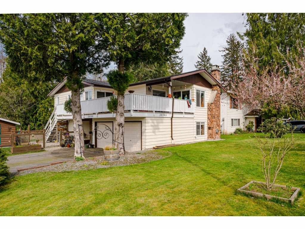 Photo 2: Photos: 20305 50 AVENUE in Langley: Langley City House for sale : MLS®# R2561802