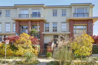 """Photo 1: 2838 WATSON Street in Vancouver: Mount Pleasant VE Townhouse for sale in """"DOMAIN TOWNHOMES"""" (Vancouver East)  : MLS®# R2218278"""