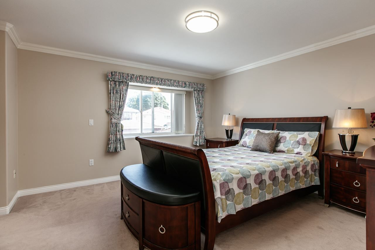 Photo 11: Photos: 6228 DOMAN Street in Vancouver: Killarney VE House for sale (Vancouver East)  : MLS®# R2186652