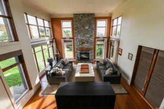 Photo 4: 155 Willow Way in Comox: CV Comox (Town of) House for sale (Comox Valley)  : MLS®# 887289
