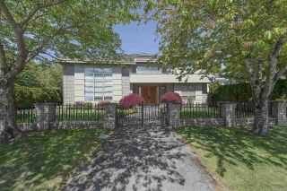 Photo 1: 6611 WOODWARDS Road in Richmond: Woodwards House for sale : MLS®# R2580125