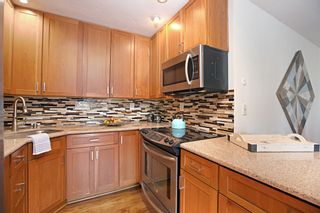 Photo 12: HILLCREST Condo for sale : 2 bedrooms : 1263 Robinson Ave #11 in San Diego