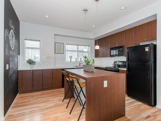 Photo 2: 31 300 EVANSCREEK Court NW in Calgary: Evanston Row/Townhouse for sale : MLS®# C4226867