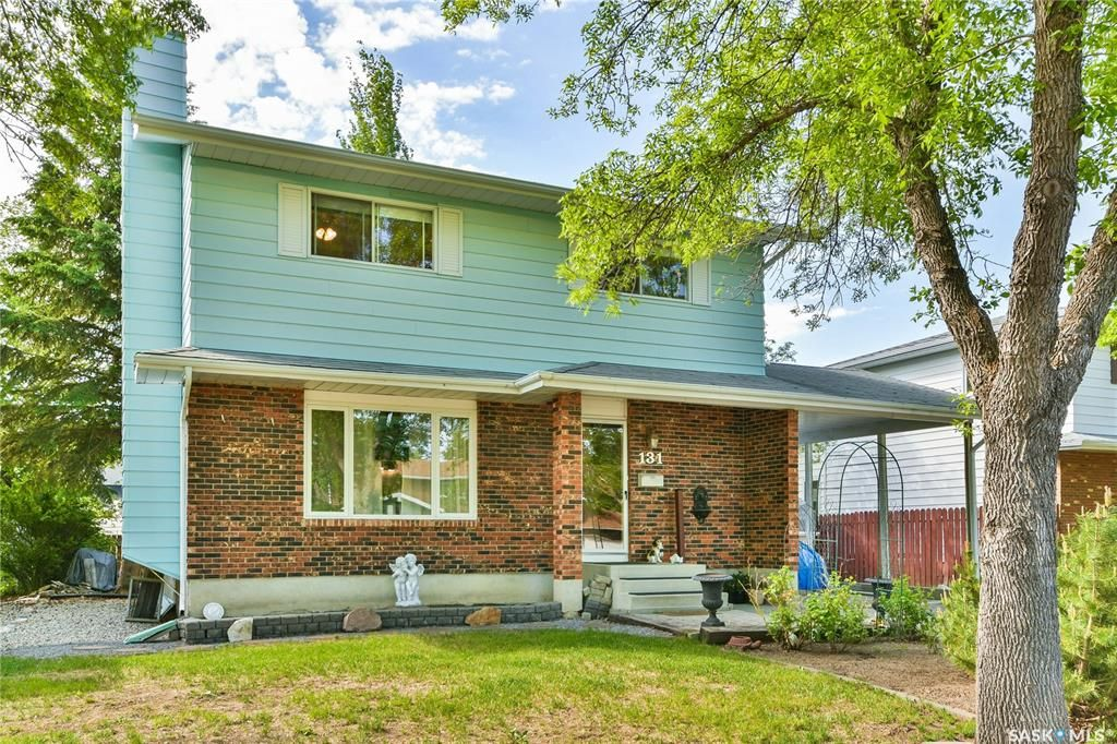 Main Photo: 131 Nollet Avenue in Regina: Normanview West Residential for sale : MLS®# SK858664