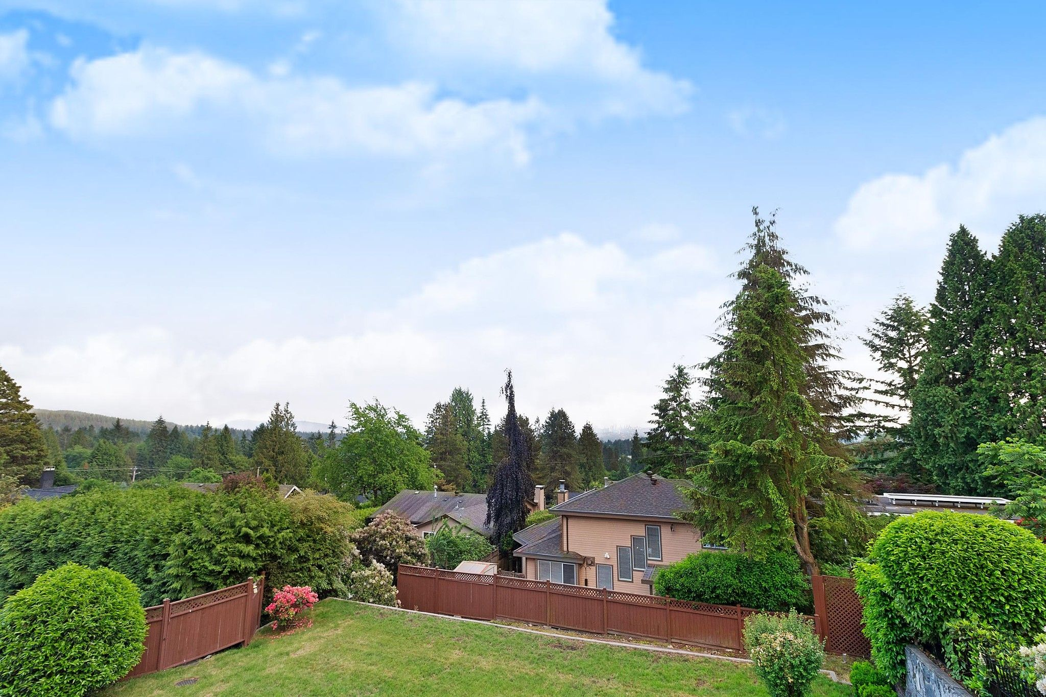 Photo 22: Photos: 1237 DYCK Road in North Vancouver: Lynn Valley House for sale : MLS®# R2374868