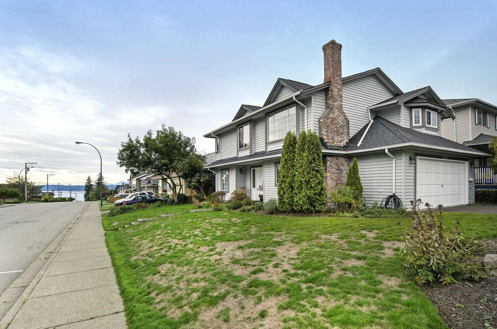 Main Photo: 15598 ROPER AVENUE in South Surrey White Rock: Home for sale : MLS®# R2003689
