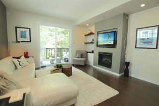 """Photo 2: 38 2495 DAVIES Avenue in Port Coquitlam: Central Pt Coquitlam Townhouse for sale in """"ARBOUR"""" : MLS®# R2068269"""
