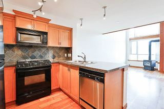 """Photo 5: 324 10 RENAISSANCE Square in New Westminster: Quay Condo for sale in """"MURANO LOFTS"""" : MLS®# R2186275"""