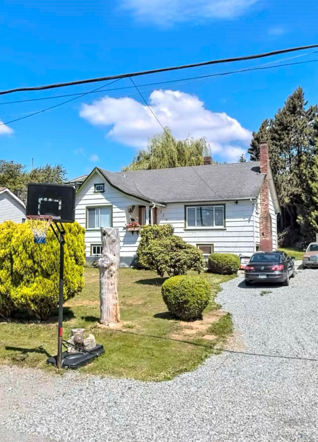 Main Photo: 32973 4TH Avenue in Mission: Mission BC House for sale : MLS®# R2617825