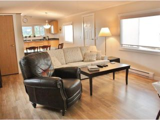 Photo 3: 17 5575 MASON Road in Sechelt: Sechelt District Manufactured Home for sale (Sunshine Coast)  : MLS®# V1038390
