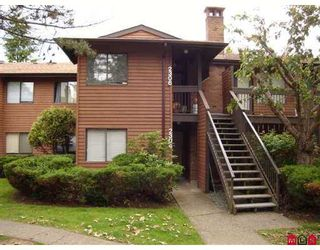 """Photo 1: 2304 10620 150TH Street in Surrey: Guildford Townhouse for sale in """"Lincoln's Gate"""" (North Surrey)  : MLS®# F2716715"""