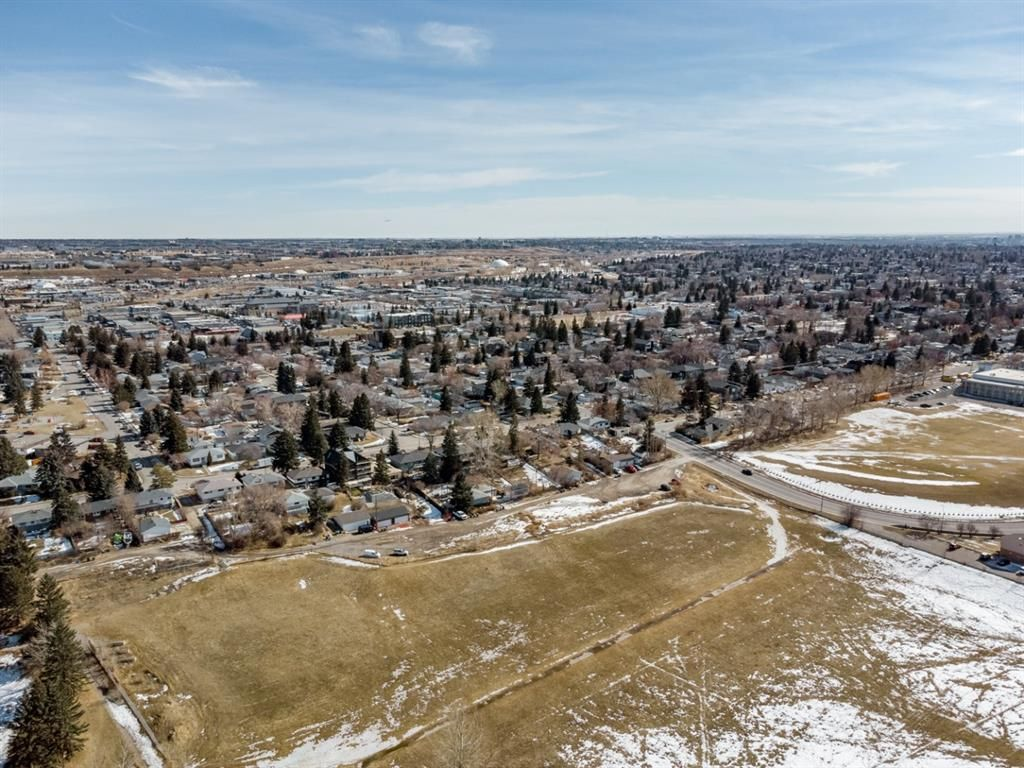 Photo 44: Photos: #1 4207 2 Street NW in Calgary: Highland Park Semi Detached for sale : MLS®# A1111957
