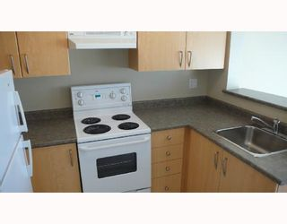 """Photo 3: 305 3520 CROWLEY Drive in Vancouver: Collingwood VE Condo for sale in """"MILLENIO"""" (Vancouver East)  : MLS®# V670239"""