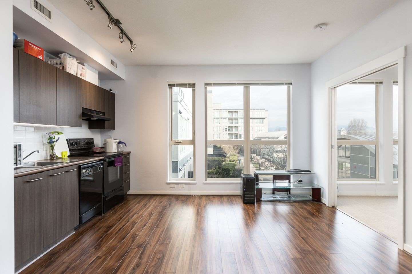 """Photo 3: Photos: 398 4133 STOLBERG Street in Richmond: West Cambie Condo for sale in """"REMY"""" : MLS®# R2346202"""