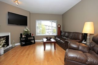 """Photo 3: 56 18701 66TH Avenue in Surrey: Cloverdale BC Townhouse for sale in """"ENCORE AT HILLCREST"""" (Cloverdale)  : MLS®# F1225659"""