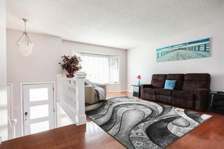 Photo 4: 676 Community Row in Winnipeg: Charleswood Residential for sale (1G)  : MLS®# 202115287