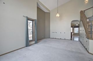 Photo 4: 112 Mt Alberta View SE in Calgary: McKenzie Lake Detached for sale : MLS®# A1082178