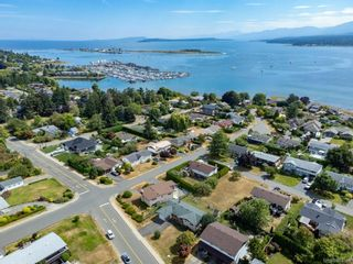 Photo 40: 2045 Beaufort Ave in : CV Comox (Town of) House for sale (Comox Valley)  : MLS®# 884580