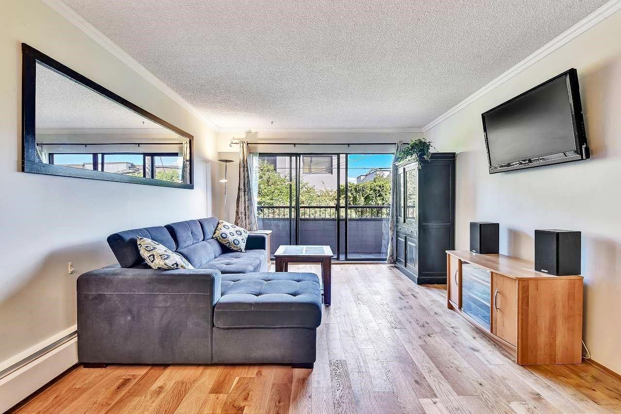 Main Photo: 206 2475 YORK AVENUE in Vancouver: Kitsilano Condo for sale (Vancouver West)  : MLS®# R2606001