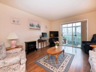 """Photo 3: 33 7525 MARTIN Place in Mission: Mission BC Townhouse for sale in """"Luther Place"""" : MLS®# R2238773"""