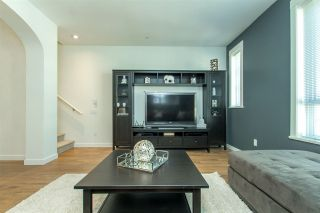 """Photo 11: 53 8438 207A Street in Langley: Willoughby Heights Townhouse for sale in """"YORK By Mosaic"""" : MLS®# R2201885"""