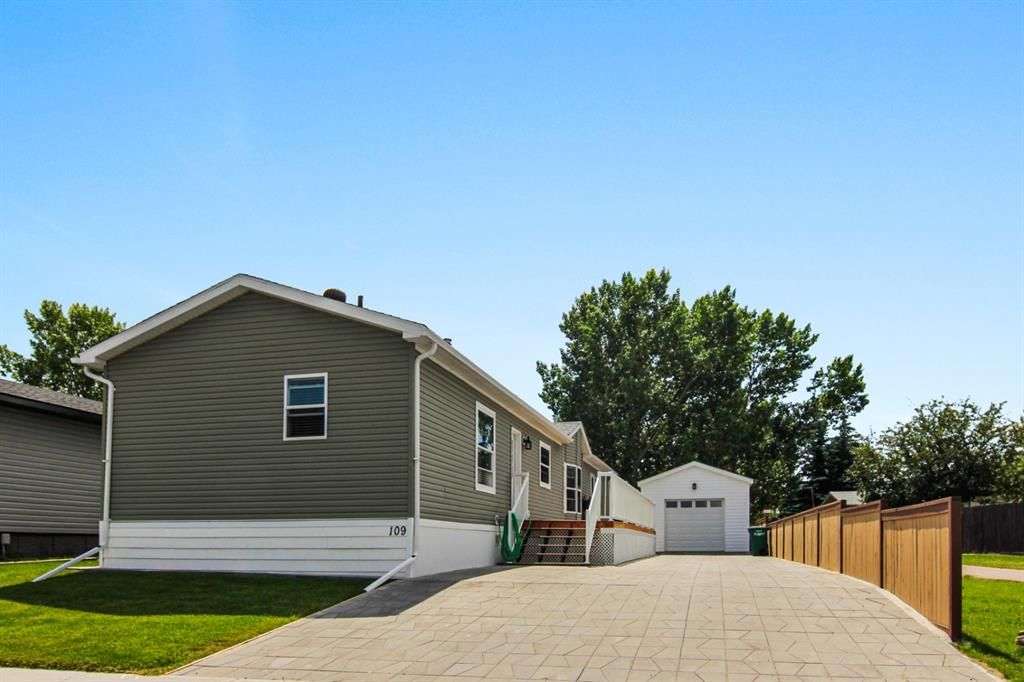 Main Photo: 109 Big Hill Circle SE: Airdrie Detached for sale : MLS®# A1124171