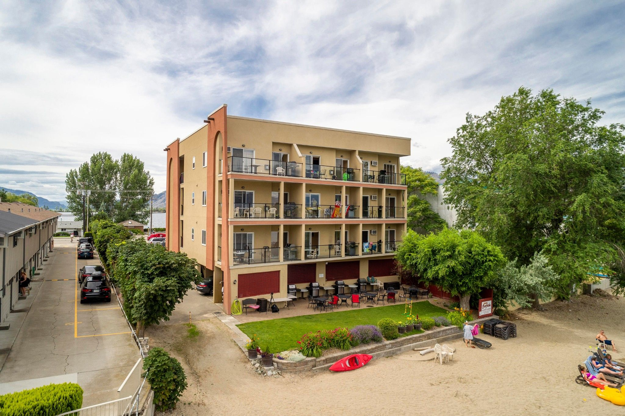 Main Photo: 211 7310 Main Street in Osoyoos: Condo for sale : MLS®# 179655