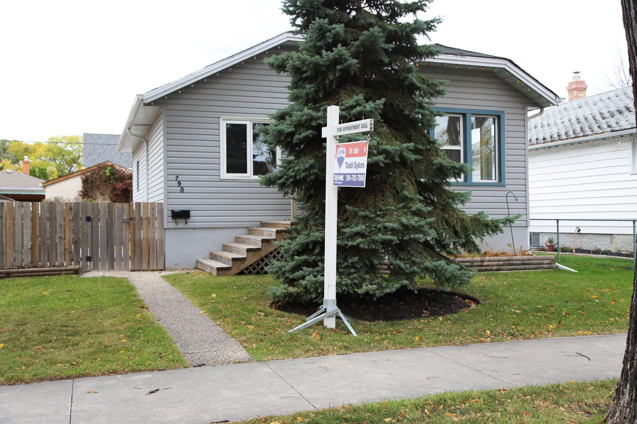 Photo 1: Photos: 790 Spruce Street in Winnipeg: West End Single Family Detached for sale (5C)  : MLS®# 202024710