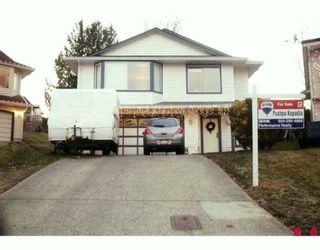 Photo 1: 21396 88B Avenue in Langley: Walnut Grove House for sale : MLS®# F2927346