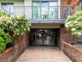 "Photo 22: 301 2121 W 6TH Avenue in Vancouver: Kitsilano Condo for sale in ""CANNAUGHT COURT"" (Vancouver West)  : MLS®# R2575092"