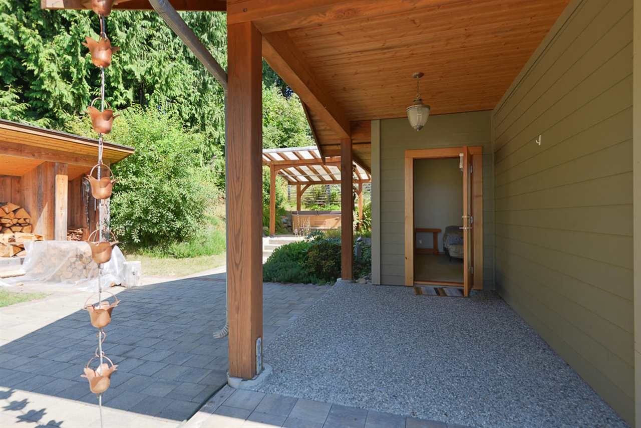 Photo 17: Photos: 505 MAPLE Street in Gibsons: Gibsons & Area House for sale (Sunshine Coast)  : MLS®# R2293109