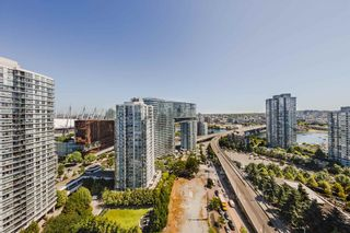 """Photo 13: 2402 989 BEATTY Street in Vancouver: Yaletown Condo for sale in """"THE NOVA"""" (Vancouver West)  : MLS®# R2604088"""