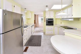 Photo 9: 22 1498 Admirals Rd in : VR Glentana Manufactured Home for sale (View Royal)  : MLS®# 883806