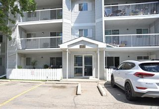 Photo 2: 302 317 Cree Crescent in Saskatoon: Lawson Heights Residential for sale : MLS®# SK860891