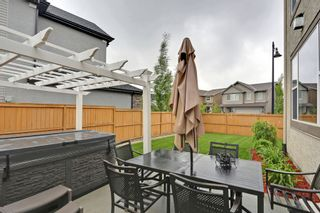 Photo 2: 2 Aspen Hills Manor SW in Calgary: House for sale : MLS®# C3622296