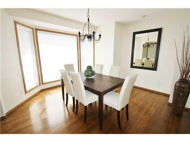 Photo 2: Photos: 73 VALLEY MEADOW Gardens NW in CALGARY: Valley Ridge Residential Detached Single Family for sale (Calgary)  : MLS®# C3584611