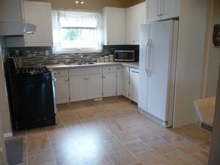 Photo 4: 503 4th Avenue in Bruce: House for sale