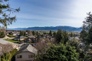 """Photo 33: 2258 MOUNTAIN Drive in Abbotsford: Abbotsford East House for sale in """"Mountain Village"""" : MLS®# R2543392"""