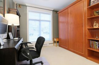 """Photo 17: 207 15164 PROSPECT Avenue: White Rock Condo for sale in """"WATERFORD PLACE"""" (South Surrey White Rock)  : MLS®# R2032759"""