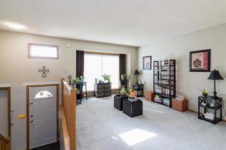 Photo 3: 28 Highcastle Crescent in Winnipeg: River Park South Residential for sale (2F)  : MLS®# 202124104
