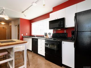 Photo 11: 201 932 Johnson St in Victoria: Vi Downtown Condo for sale : MLS®# 844483