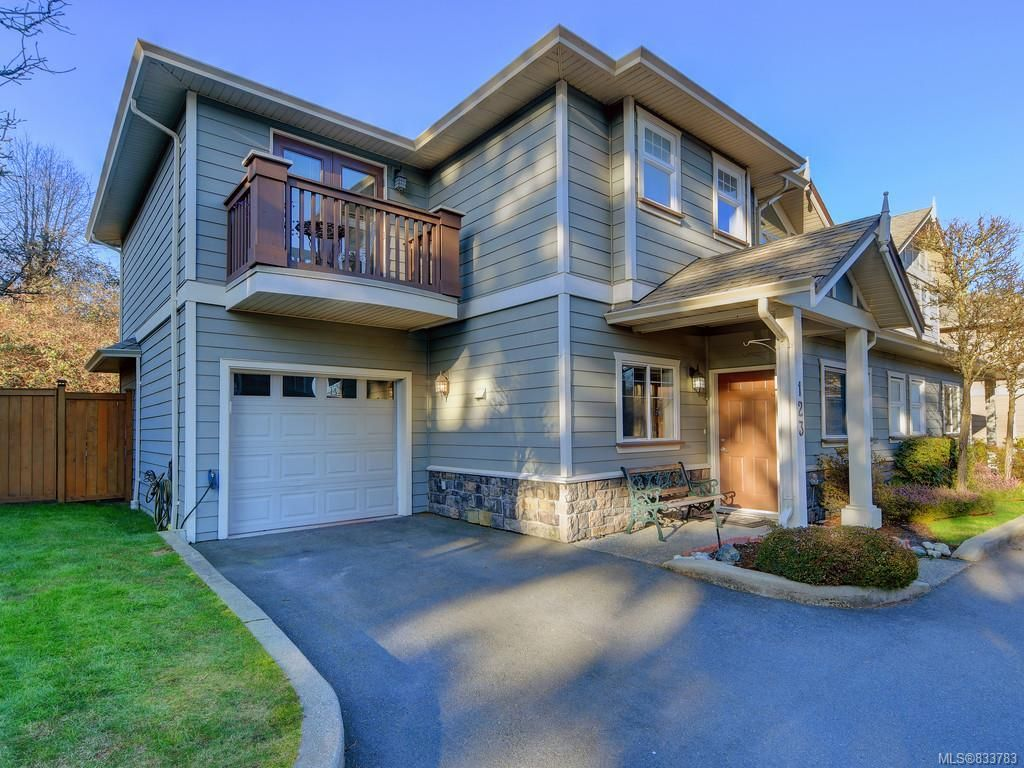 Main Photo: 123 937 Skogstad Way in Langford: La Langford Proper Row/Townhouse for sale : MLS®# 833783