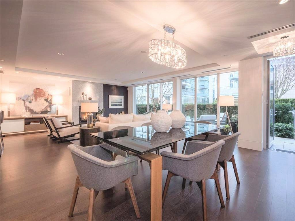"""Main Photo: 1510 HOMER Mews in Vancouver: Yaletown Townhouse for sale in """"THE ERICKSON"""" (Vancouver West)  : MLS®# R2334028"""