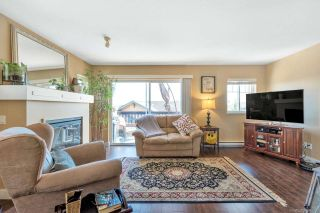 """Photo 2: 15 5839 PANORAMA Drive in Surrey: Sullivan Station Townhouse for sale in """"Forest Gate"""" : MLS®# R2386944"""