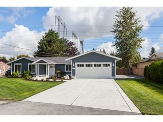 Photo 4: 20561 43A Avenue in Langley: Brookswood Langley House for sale : MLS®# R2511478