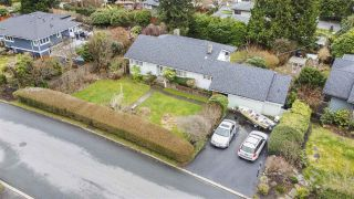 Photo 9: 151 CARISBROOKE Crescent in North Vancouver: Upper Lonsdale House for sale : MLS®# R2558225
